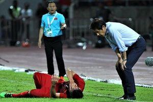 HLV Nishino chê trung vệ của ĐT Việt Nam
