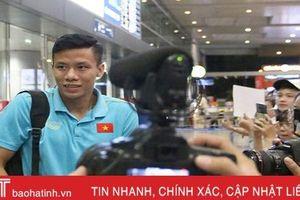 ĐT Việt Nam về nước trong sự chào đón của người hâm mộ