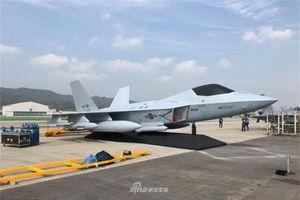 Hàn Quốc ra mắt tiêm kích tàng hình nội địa cực mạnh tại Triển lãm ADEX 2019