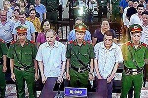 Gian lận thi cử ở Hà Giang: Con lợn nhựa chứa tài liệu quan trọng
