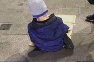 Nếu còn than phiền cuộc đời này thật bất công, bạn hãy nhìn hình ảnh này về bé trai 5 tuổi để thấy mình còn đủ may mắn như thế nào