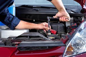 Bí quyết chăm sóc và bảo dưỡng xe ô tô trong mùa mưa