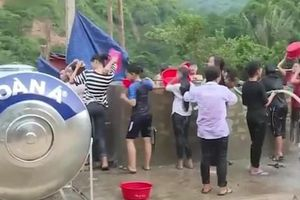 Thanh Hóa: Thị trấn Mường Lát 'khát' nước sạch