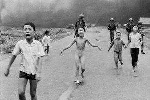12 bức ảnh thay đổi cả thế giới: 'Em bé Napalm' đứng đầu danh sách