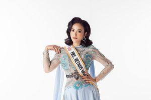 Lê Vũ Hoàng Hạt diện bikini khoe ba vòng gợi cảm tại Mrs Worldwide 2019