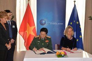 Một số hình ảnh hoạt động của Bộ trưởng Ngô Xuân Lịch trong chuyến thăm EU và ký Hiệp định FPA