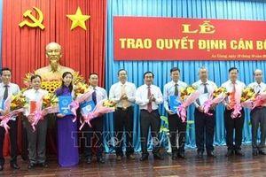 Kỷ luật cảnh cáo Giám đốc sở Tài nguyên& Môi trường tỉnh An Giang