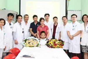 Gần 500 bác sỹ thực hiện ca ghép phổi và hành trình 10 tháng phục hồi
