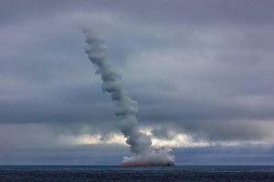 Tàu chiến Nga tập trận phóng tên lửa