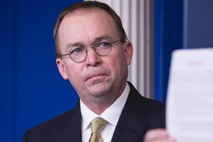 Nhà Trắng thừa nhận TT Trump hoãn viện trợ Ukraine vì lý do không ngờ