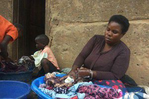 Bà mẹ 40 tuổi sinh 44 đứa con bị cấm đẻ