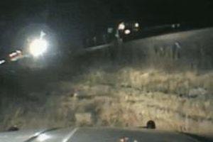 Quân nhân Mỹ cứu tài xế ôtô tránh bị tàu hỏa tông