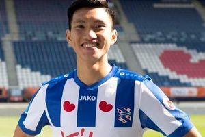 Văn Hậu xuất hiện trước trận Heerenveen đối đầu AZ Alkmaar