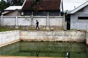 Nam sinh lớp 7 tử vong bất thường tại bể bơi phường