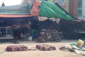 Tiểu thương chợ Vinh thiệt hại lớn do mưa lũ