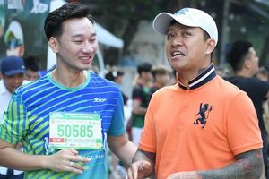 Tuấn Hưng hở van tim vẫn tham gia giải chạy: Tôi vừa chạy vừa đi bộ để cán đích