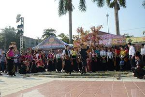 Bế mạc Ngày hội văn hóa Thái tại Điện Biên