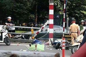 Hà Nội: Đâm vào lan can cầu vượt Thái Hà, người đàn ông tử vong tại chỗ