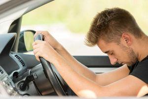 Làm thế nào để tránh ngủ gật sau tay lái?