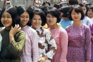 Bàn về trang phục của phụ nữ Việt Nam thời hiện đại