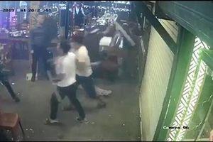 Nhóm côn đồ xông vào đập phá nhà hàng ở Đà Nẵng, hàng trăm thực khách hoảng sợ bỏ chạy