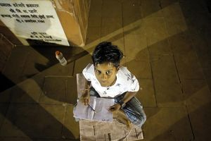 Chuyện những sinh viên nghèo Mumbai thành danh nhờ học ở vỉa hè