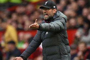 Liverpool đứt mạch toàn thắng, HLV Klopp cay cú M.U