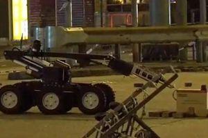 Lực lượng an ninh Hong Kong rà soát vật thể nghi chứa bom mìn