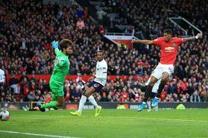 Rashford nổ súng, MU chấm dứt mạch toàn thắng của Liverpool