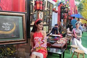 Tết Việt Canh Tý 2020 hấp dẫn với phố ông Đồ rực sắc mai vàng