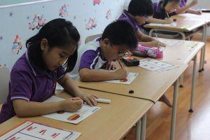 Chống lạm thu trong trường học: Phải bắt đầu từ hiệu trưởng