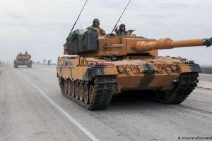 Quân Assad dồn lên biên giới, Thổ ra tối hậu thư