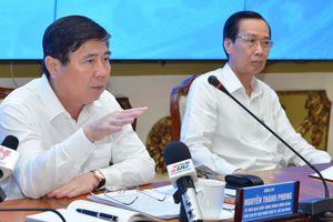 Chủ tịch UBND TPHCM Nguyễn Thành Phong: 'Đừng để lúc về hưu, tự đi làm giấy tờ mới thấy dân khổ'