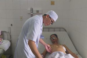 Cứu sống bệnh nhân xuất huyết nội nguy kịch mà không cần phẫu thuật