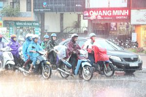Gió mùa đông bắc gây mưa lớn khắp Bắc Bộ, Trung Bộ