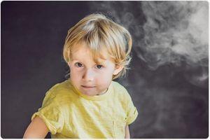Hút thuốc thụ động nguy hiểm đối với mắt