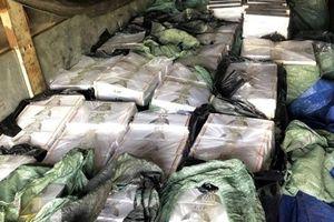 Từ chiếc xe vi phạm, chặn đứng lượng lớn thuốc lá 'lậu' vào Đà Nẵng