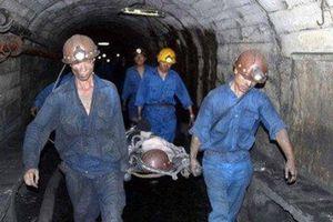 Đá rơi trúng đầu, nam công nhân mỏ than tử vong