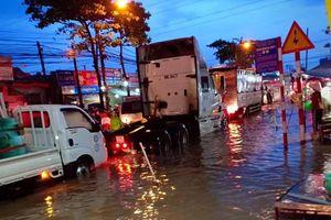 Thời tiết ngày 22/10: Nam Bộ mưa lớn, cảnh báo ngập lụt