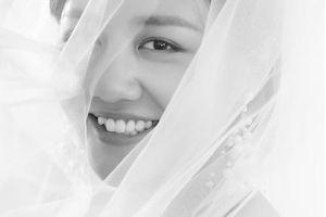 Mặc nghi vấn dùng giấy kết hôn giả, Văn Mai Hương khoe ảnh mặc váy cưới