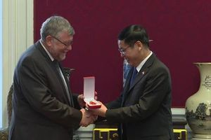 Chủ tịch Hội Bỉ - Việt kêu gọi Trung Quốc tuân thủ luật pháp quốc tế ở Biển Đông