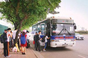 Bát nháo nạn xe dù, bến cóc không biết bao giờ mới chấm dứt tại Hà Nội