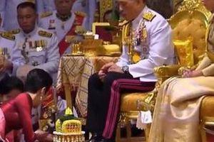 Vua Thái phế truất hoàng quý phi