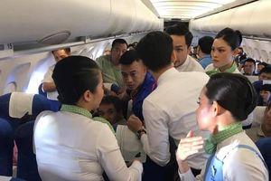 Bác sĩ cứu nữ hành khách co giật, cắn lưỡi trên máy bay Bamboo Airways