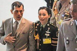 Hoàng hậu Thái Lan Suthida Vajiruslongkorn: 6 năm từ thiếu úy lên đại tướng