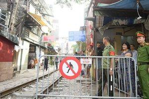 Quận Hoàn Kiếm bác kiến nghị phố cà phê đường tàu tái hoạt động