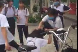 Vụ nữ sinh Bình Dương đánh nhau: Kiểm điểm các học sinh xuất hiện trong clip
