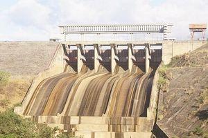Thiếu than, cạn nước, EVN phải huy động điện chạy dầu đắt đỏ