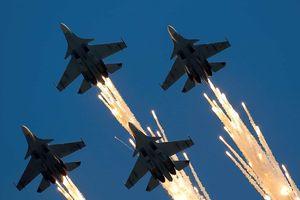 Mãn nhãn màn biểu diễn ngoạn mục của các phi đội bay thế giới (phần 2)