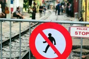 Dân kêu cứu xin mở lại xóm cà phê đường tàu, quận Hoàn Kiếm 'lắc đầu'